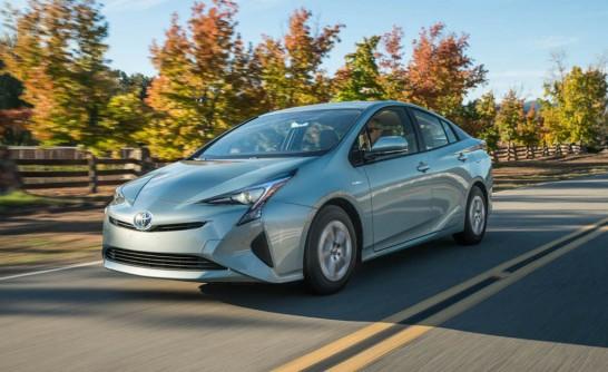 2016 Toyota Prius FD 102 546x334 مقاله خودروهای هیبریدی