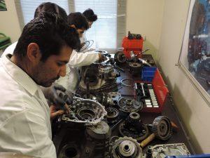 آموزش تعمیر گیربکس 11 300x225 آموزش گیربکس اتومات